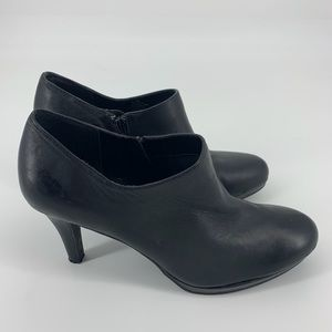 Alex Marie Leather Ankle Booties.  Size 8.5M